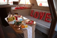 havai fisek esliginde yatta evlenme teklifi organizasyonu izmir tekne kiralama 3 - Havai Fişek Eşliğinde Yatta Evlenme Teklifi Organizasyonu
