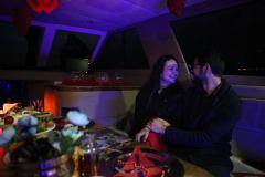 palyaco hediye servisiyle baslayan yatta evlenme teklifi organizasyonu izmir tekne kiralama - Palyaço Hediye Servisiyle Başlayan Yatta Evlenme Teklifi Organizasyonu