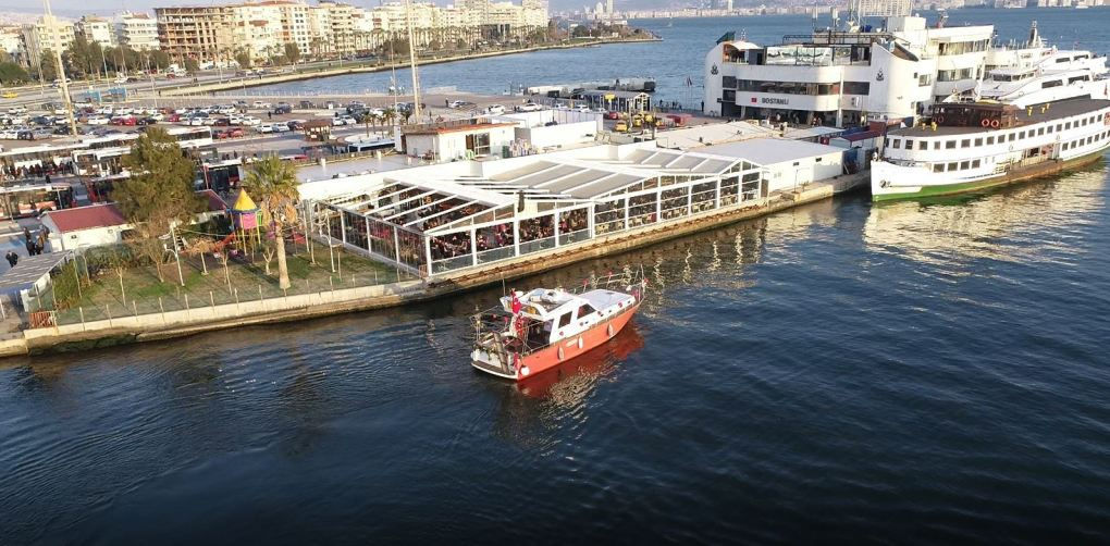 kafe cikisli yatta evlilik teklifi organizasyonu izmir tekne kiralama 6 - Saatlik Tekne Kiralama