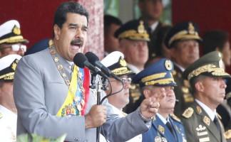 el presidente nicolas maduro y el alto mando militar que lo respalda