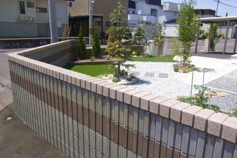 ブロック塀、旭川 ガーデニング
