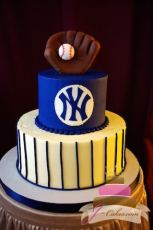 (719) NY Yankees Tiered Groom's Cake