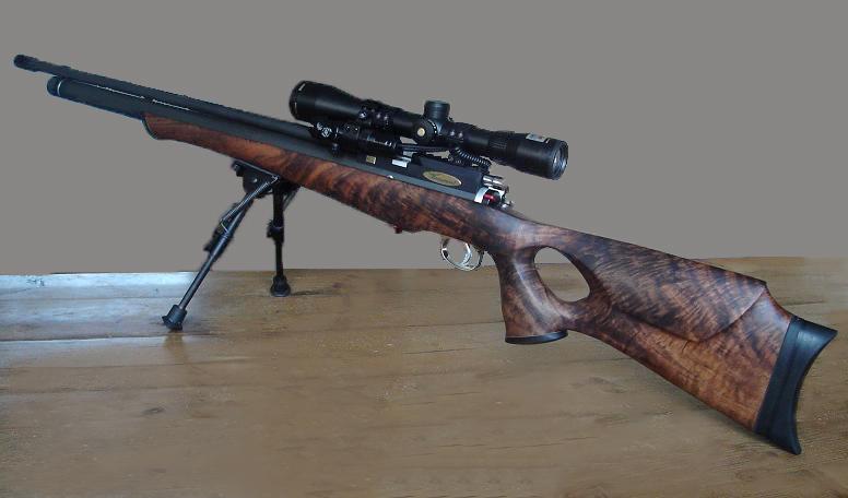 Kolf gesneden uit walnoot hout custom made voor pcp groot kaliber luchtgeweer