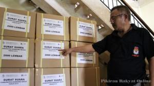 KETUA Pokja Logistik Pilbup KPU Bandung Barat