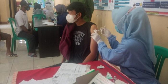 vaksinasi polsek ciampea
