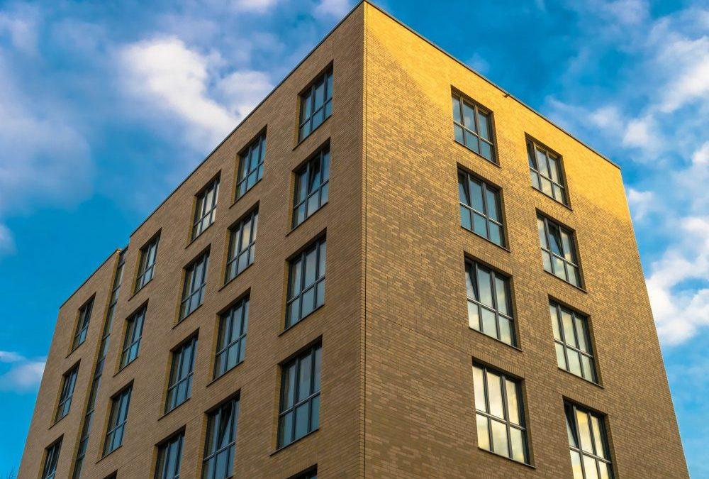 6 raisons pour lesquelles vous DEVEZ acheter un immeuble de rapport.