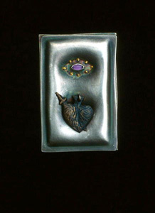 5.36 Milagros for a Heart of Gold 1991. Brooch; white metal, amethyst, gold