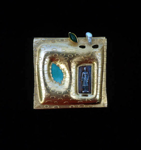 5.39 'Growing' 1991. Brooch; white metal (gold plated), agate, cultured pearl, enamel