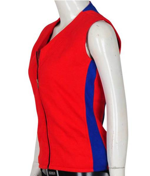 summer-quinn-baywatch-vest