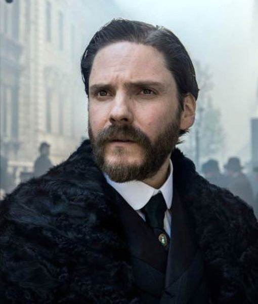 daniel-bruhl-the-alienist-laszlo-kreizler-coat