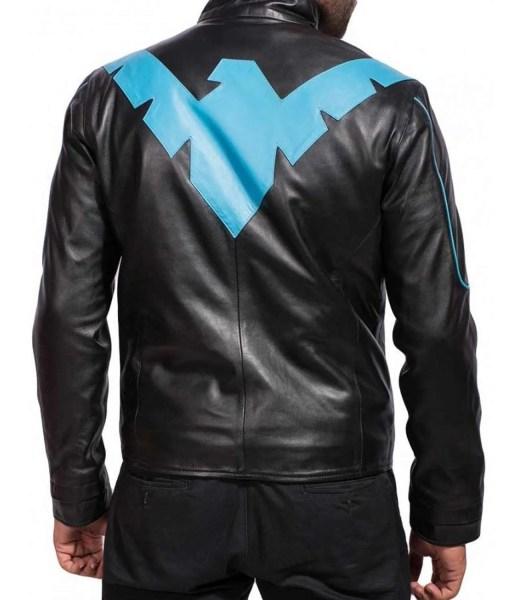 dick-grayson-nightwing-black-jacket