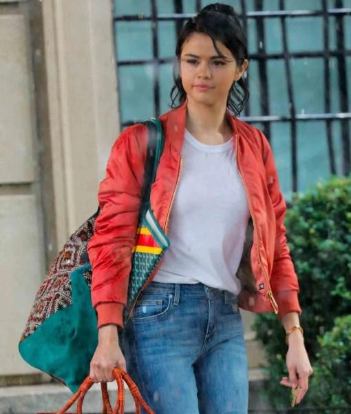 a-rainy-day-in-new-york-selena-gomez-red-jacket