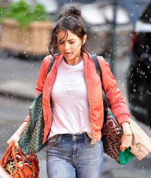 a-rainy-day-in-new-york-selena-red-jacket