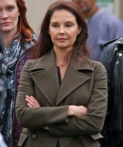 ashley-judd-a-dogs-way-home-coat
