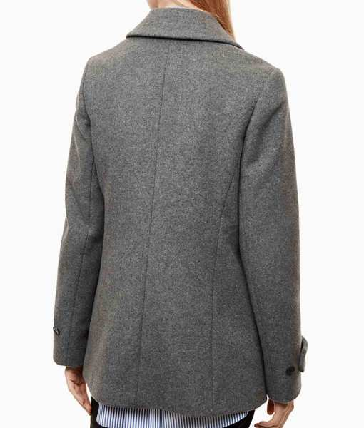 riverdale-betty-cooper-grey-coat