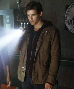 titans-dick-grayson-jacket