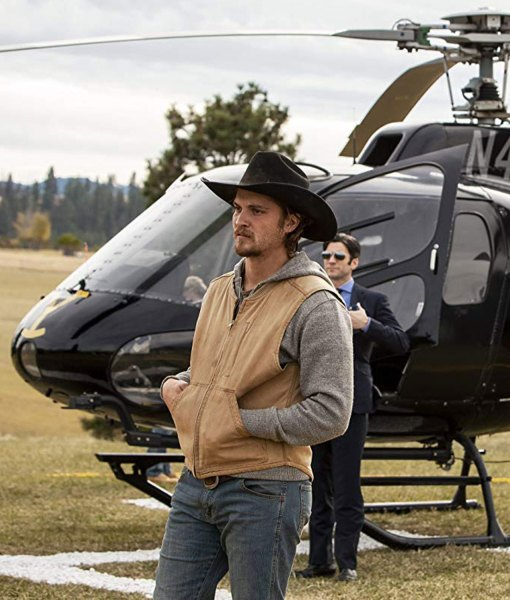 luke-grimes-yellowstone-kayce-dutton-vest