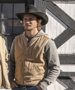 luke-grimes-yellowstone-vest