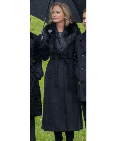 arrow-susanna-thompson-fur-shawl-collar-coat