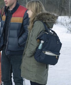 locke-and-key-emilia-jones-parka