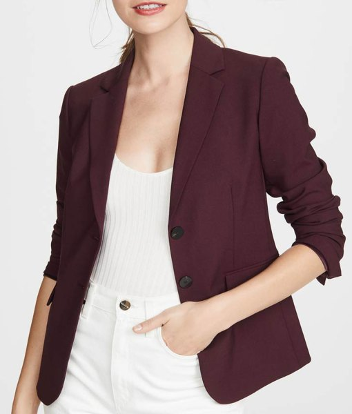 13-reasons-why-jessica-davis-burgundy-blazer