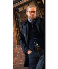 charlie-hunnam-the-gentlemen-ray-coat