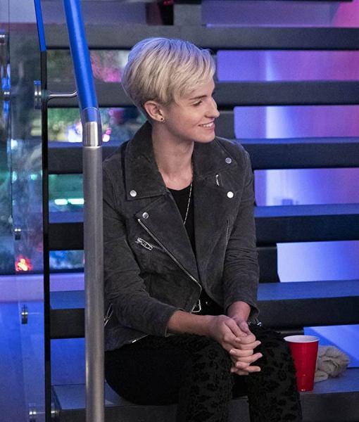 christina-kartchner-never-have-i-ever-eve-jacket