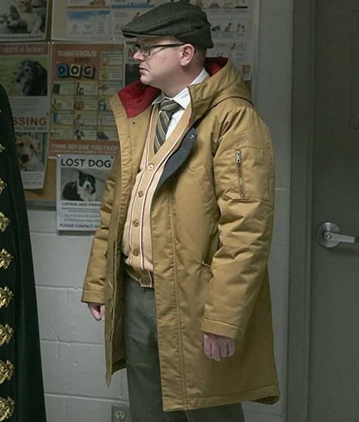 mark-proksch-what-we-do-in-the-shadows-colin-robinson-coat