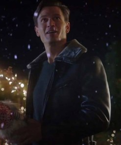 very-charming-christmas-town-sawyer-larsen-leather-jacket
