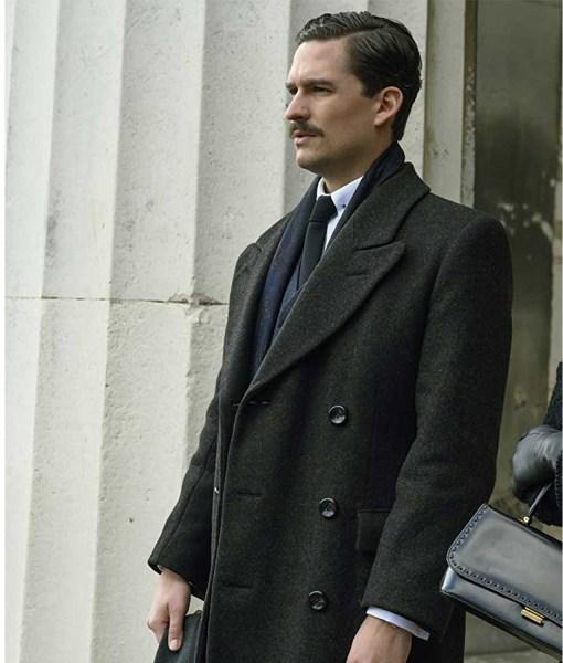 ben-aldridge-pennyworth-thomas-wayne-black-coat