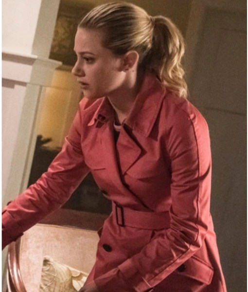 riverdale-s02-betty-cooper-pink-peacoat