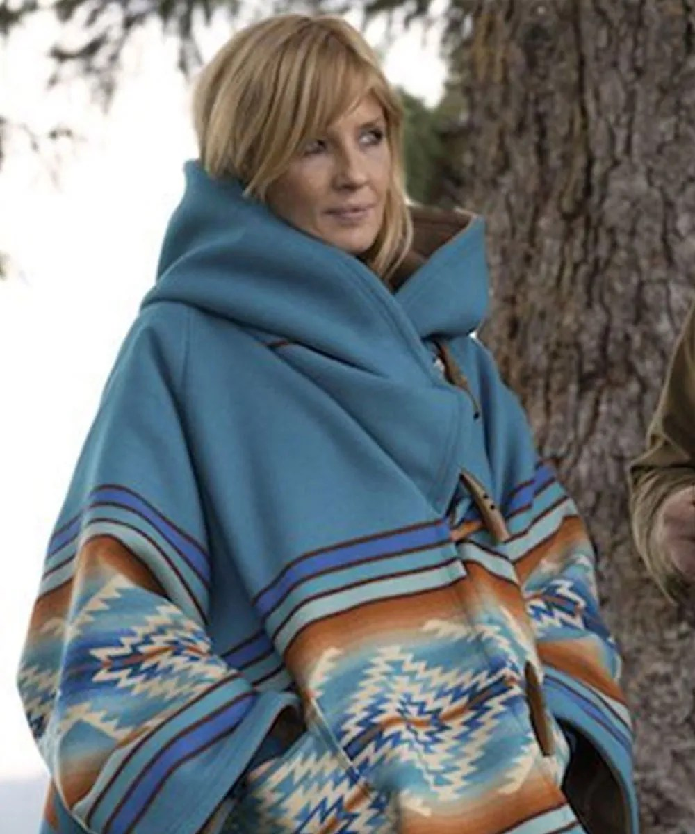 yellowstone-season-03-kelly-reilly-blue-coat
