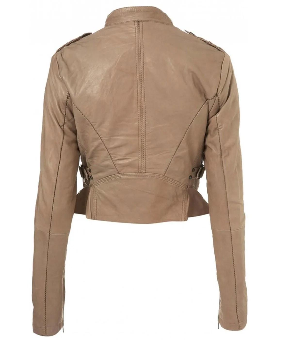 karen-gillan-doctor-who-amy-pond-leather-jacket