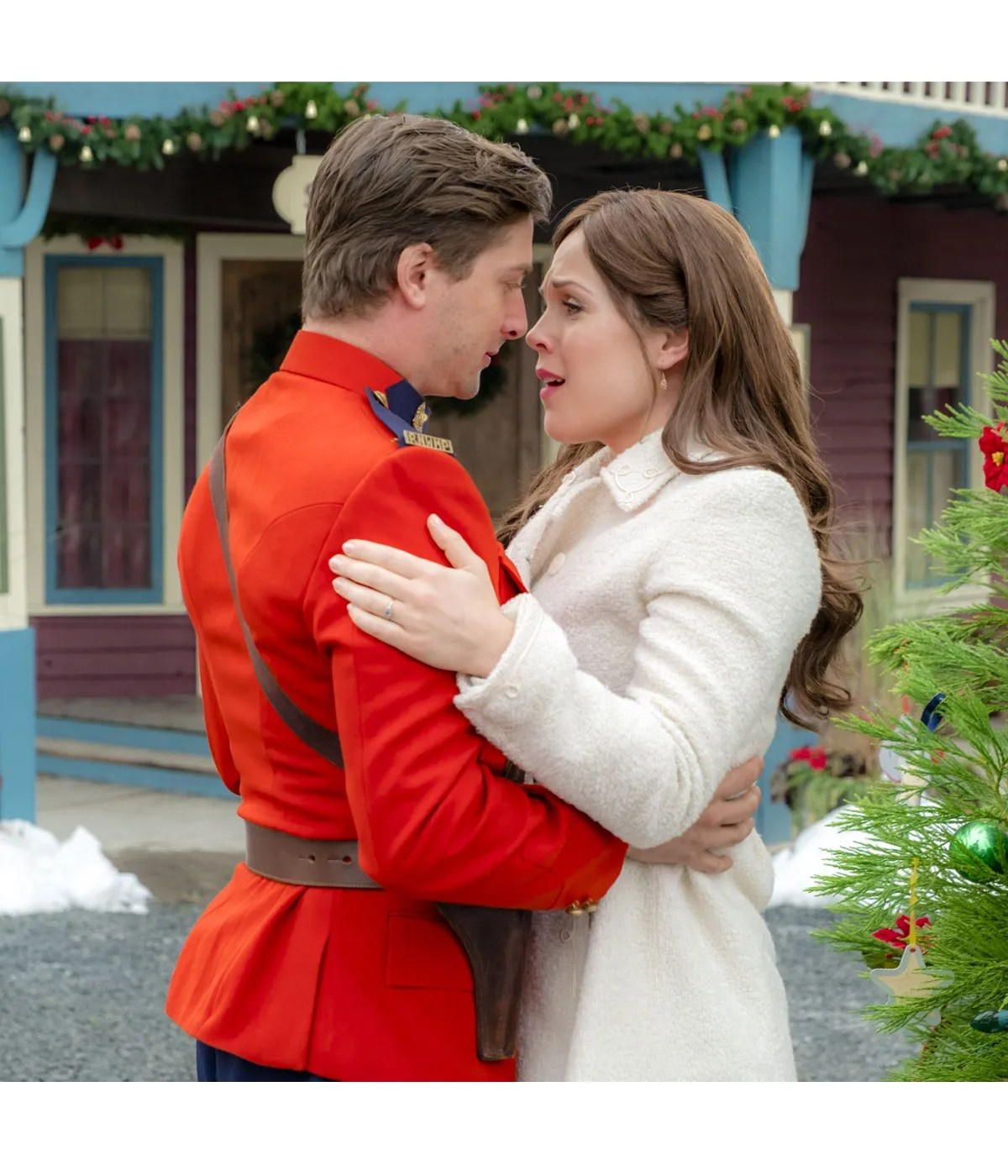 when-calls-the-heart-daniel-lissing-jack-thornton-red-jacket
