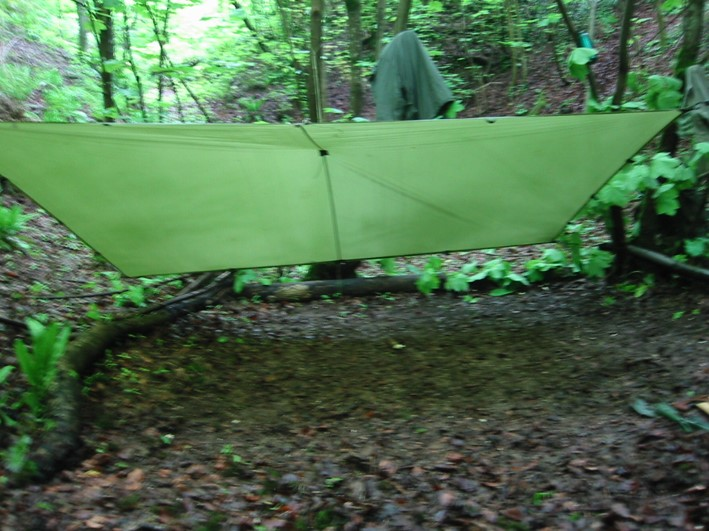 setting up a tarp | bushcraft | Kent | south east | London