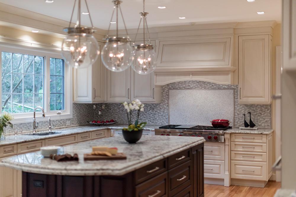 Traditional vs. Modern Kitchen Cabinets | Kitchen Design on Traditional Kitchen Decor  id=44053