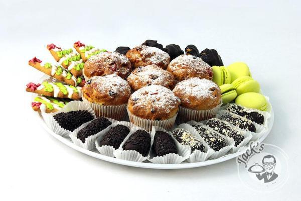 Ассорти десертов «Сладкое желание» 32/62 шт. — заказ ...