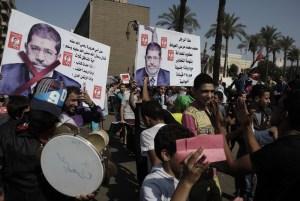 tahrir.square.dreamstime_s_31985341