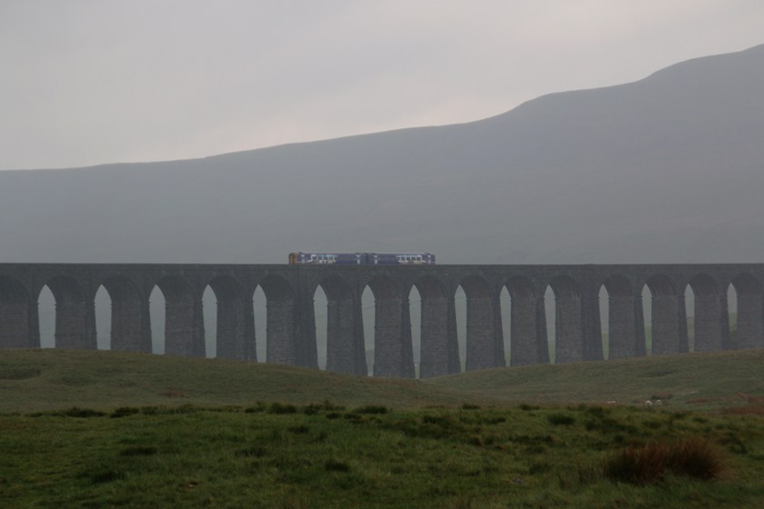 Dales viaductrain