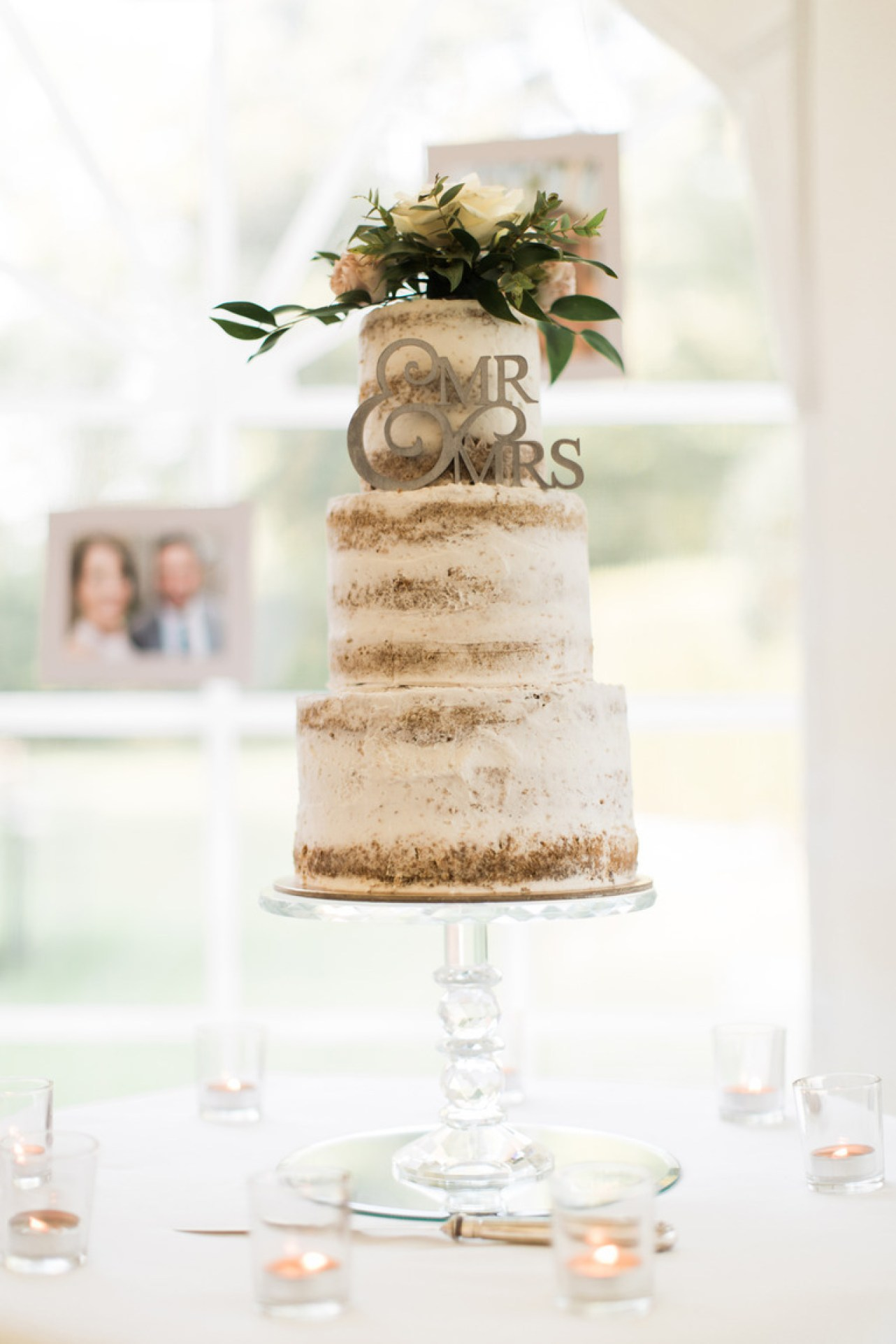 Wedding Naked Cake at Chateau la Durantie in France
