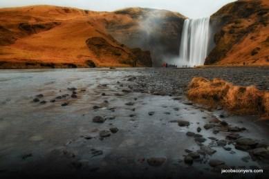Iceland has lots of waterfalls