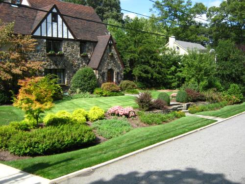 Landscape Design Ideas: Front Yard Renovations on Front Yard Renovation Ideas id=96451