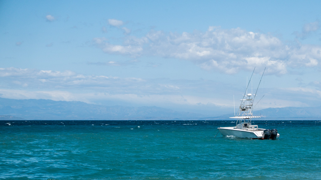 Our Venture 34 moored at Isla Tortuga