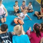 Colônia de férias envolve crianças no período de recesso escolar