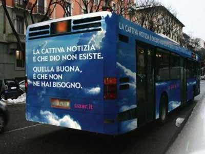 Bus atei a Genova-Fotomontaggio