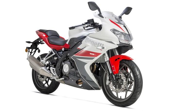 BN 302 R Rojo-Blanco