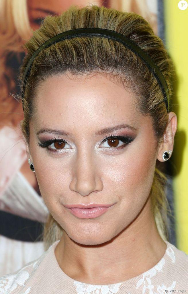Tendência de maquiagem: Saiba mais sobre iluminador e entenda como aplicar o produto de beleza sem errar