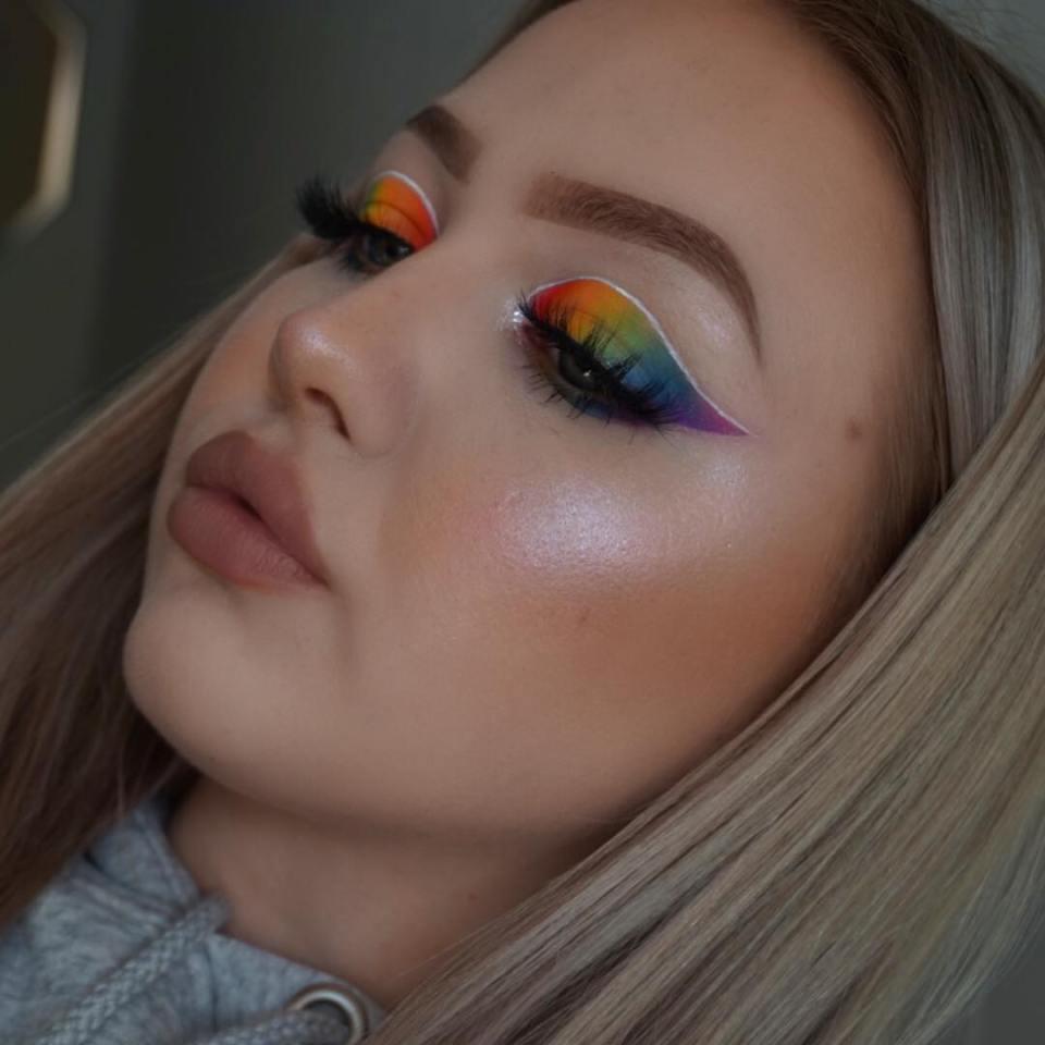 Sombra Colorida: como combinar as cores para acertar na make