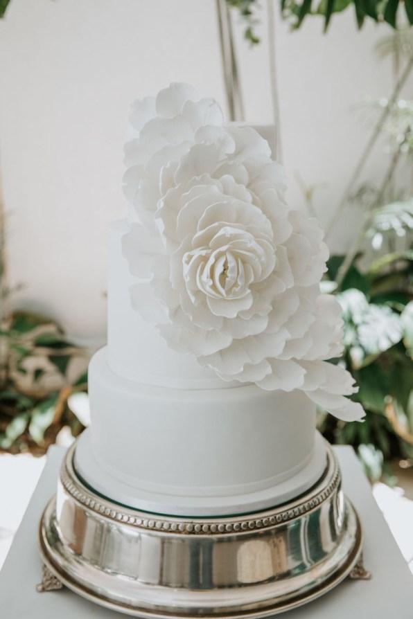 casamento-civil-jade-seba-e-bruno-guedes-miniwedding-verde-e-branco-foto-dois-ramos7