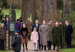 Familia Real británica llegando Sandrinham Church